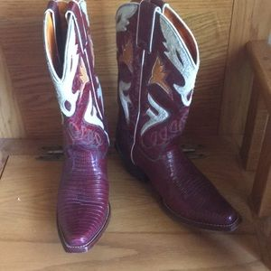 Frye western boots nwot